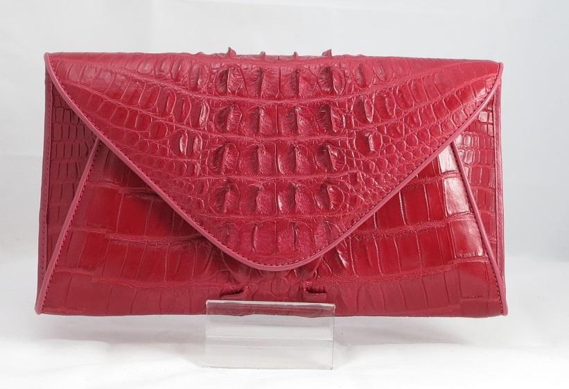 Женские сумки из кожи под крокодила купить в